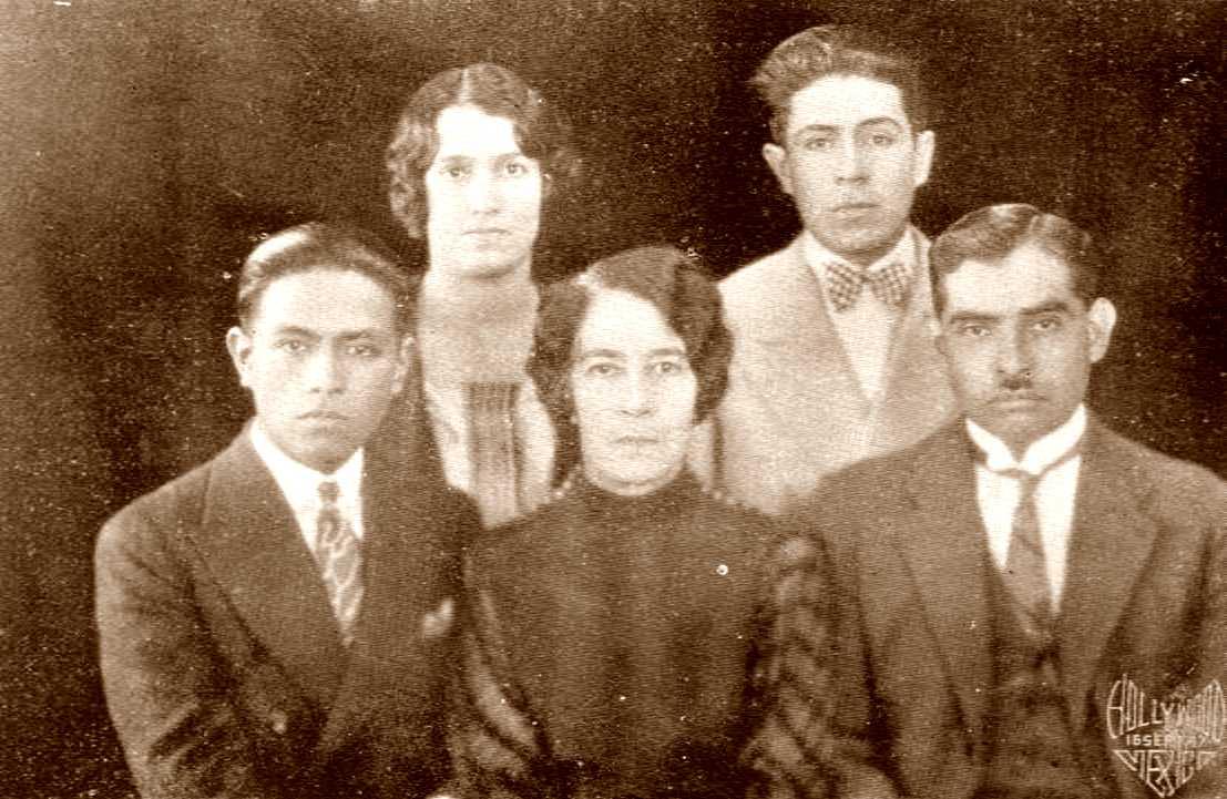 Membres de la VI Missió Cultural (1927). D'esquerra a dreta: Jesús Camacho Arce, Raquel Portugal, Elisa Acuña Rosseti, Samuel Pérez i Albino R. López