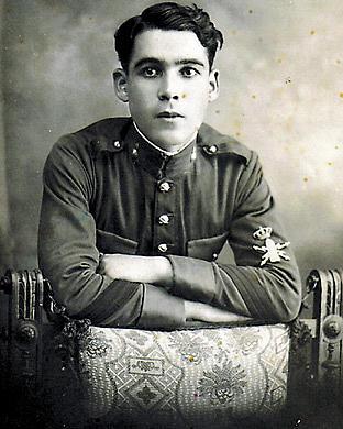 Francisco Afonso García durant el seu servei militar