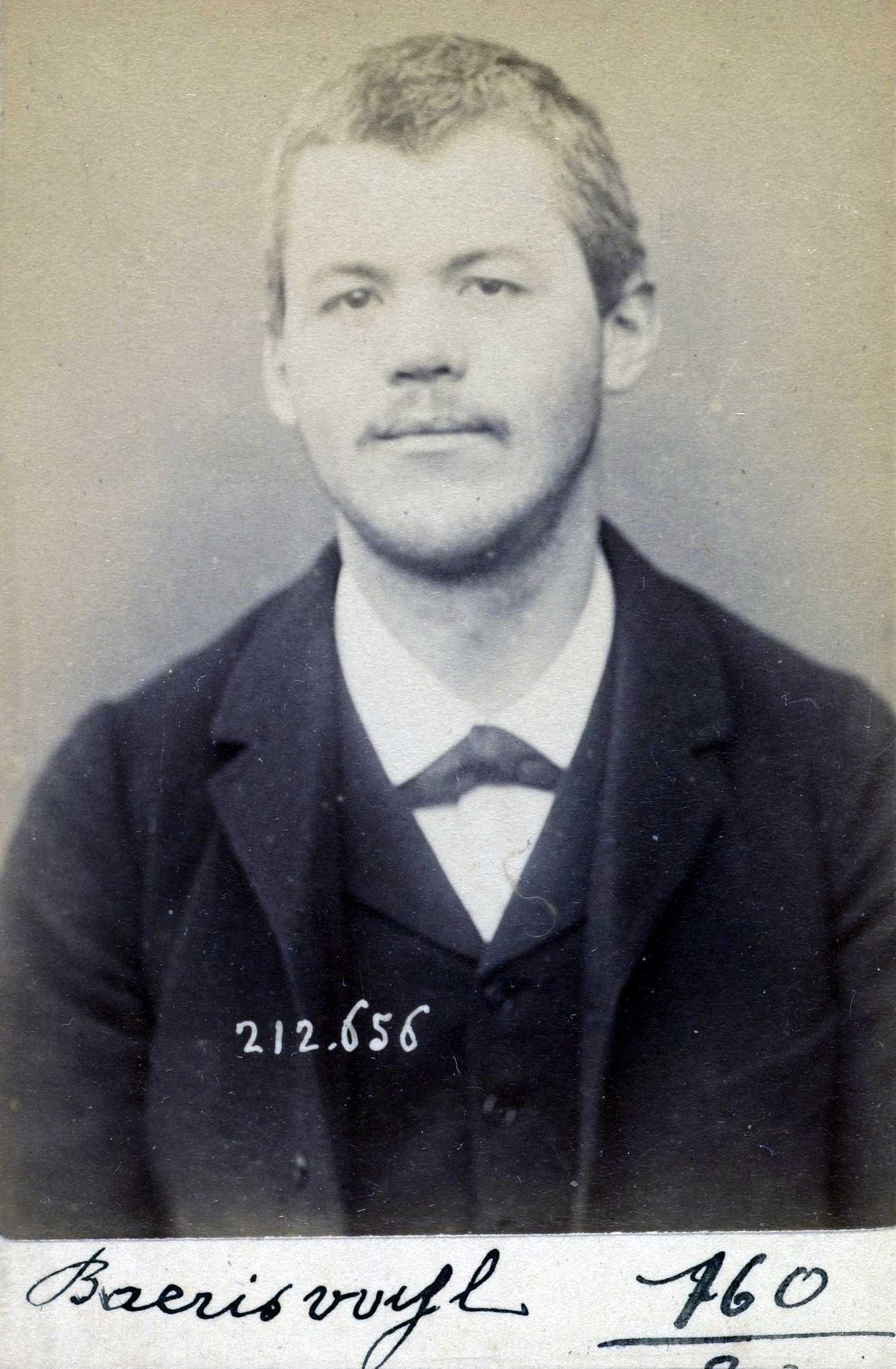 Foto policíaca de Jean-Frédéric Baériswil (8 de gener de 1894)
