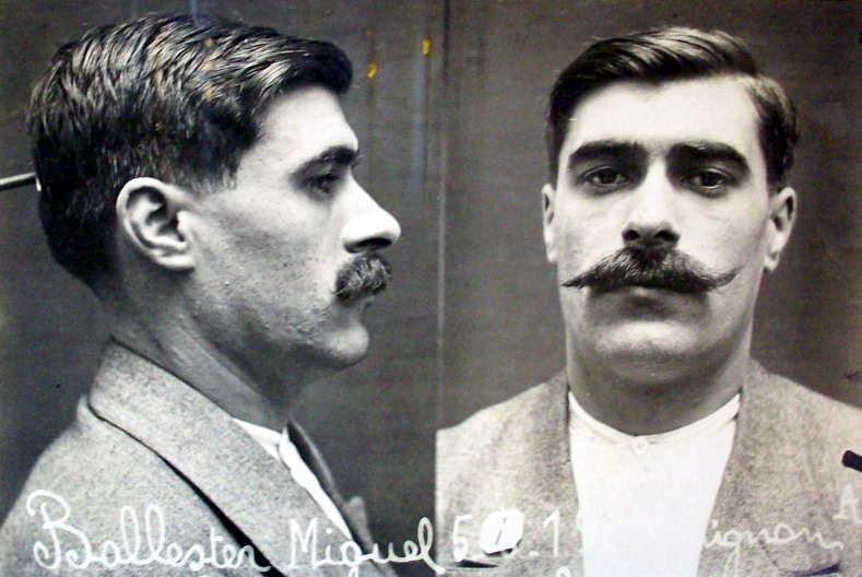 Foto antropomètrica de Miquel Ballester Milà (1919)