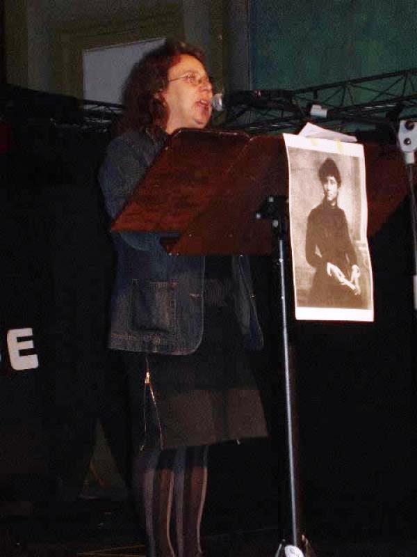 Rosa Bassave Roibal en un acte el Primer de Maig de 2004
