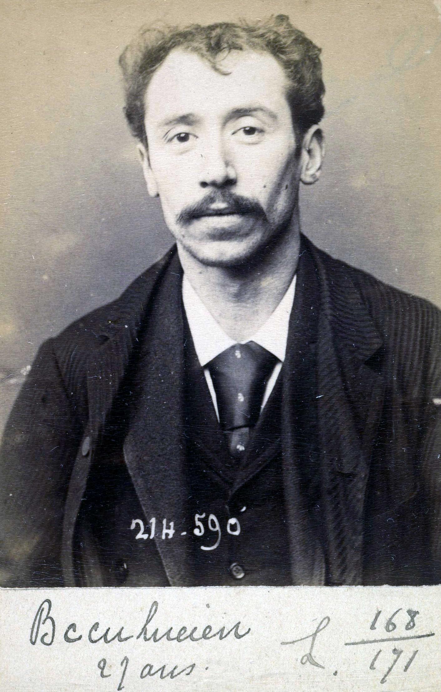 Foto policíaca de Lucie Bécu (22 de febrer de 1894)