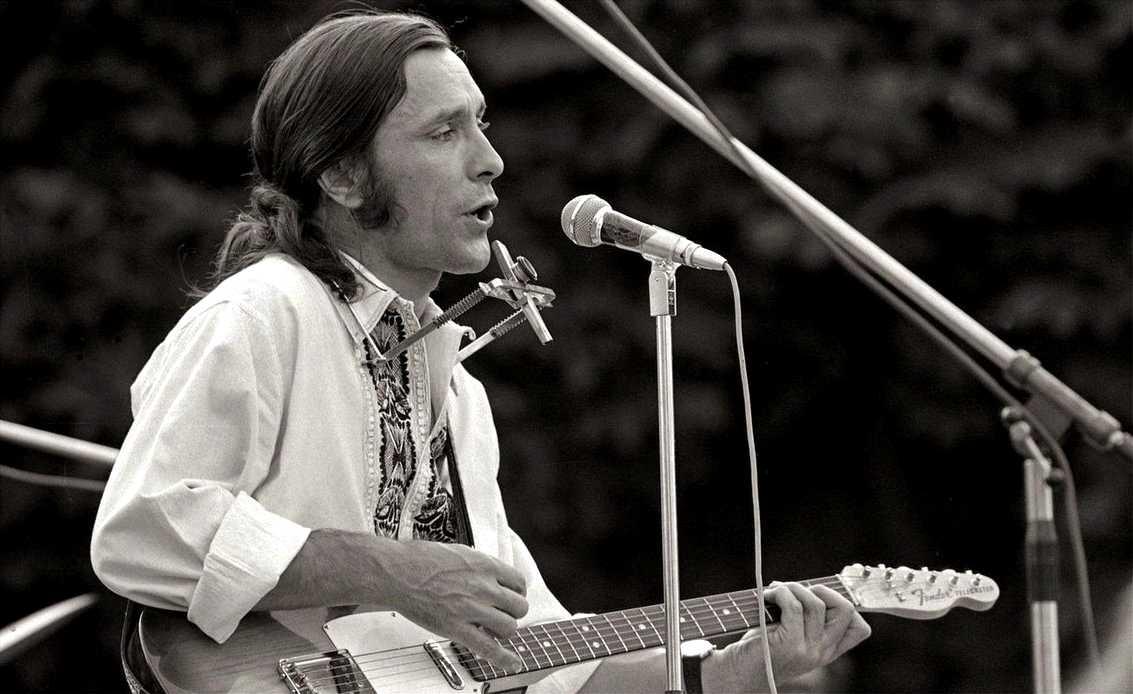 François Béranger en un concert a Meudon (1974)