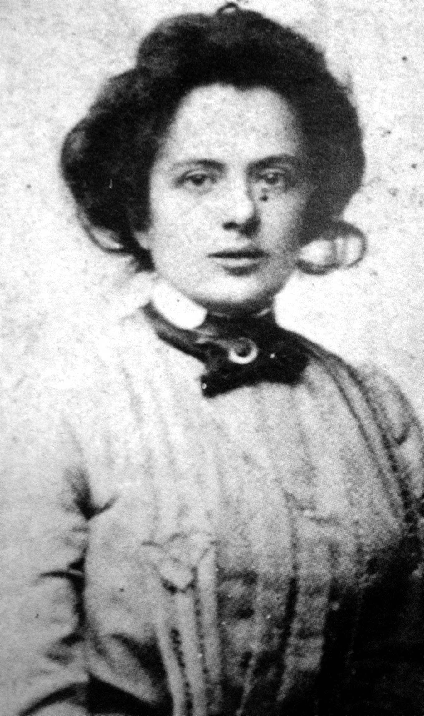 Adalgisa Fochi (ca. 1902)