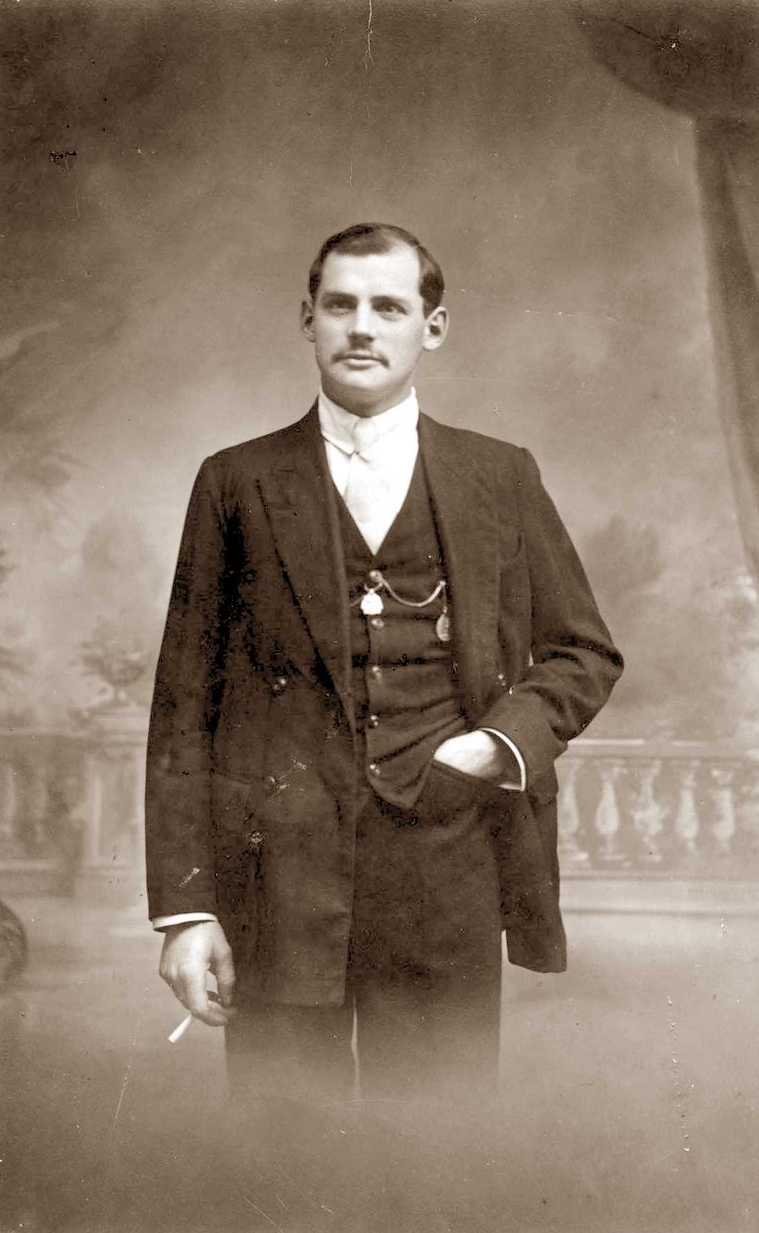 François Bonnaud a començament dels anys vint