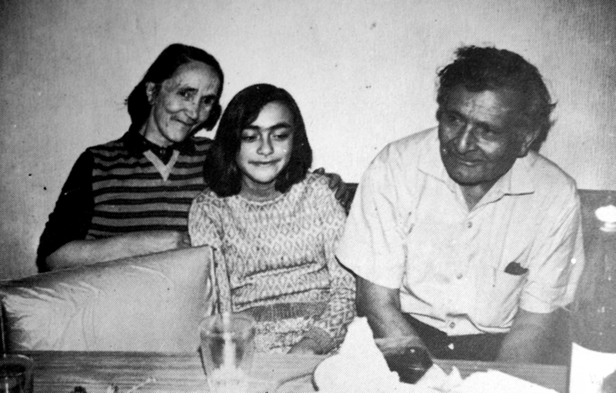 Ángel Borda amb sa companya Libertad i sa filla (1975)