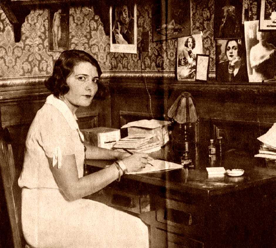 Herminia Brumana al seu despatx