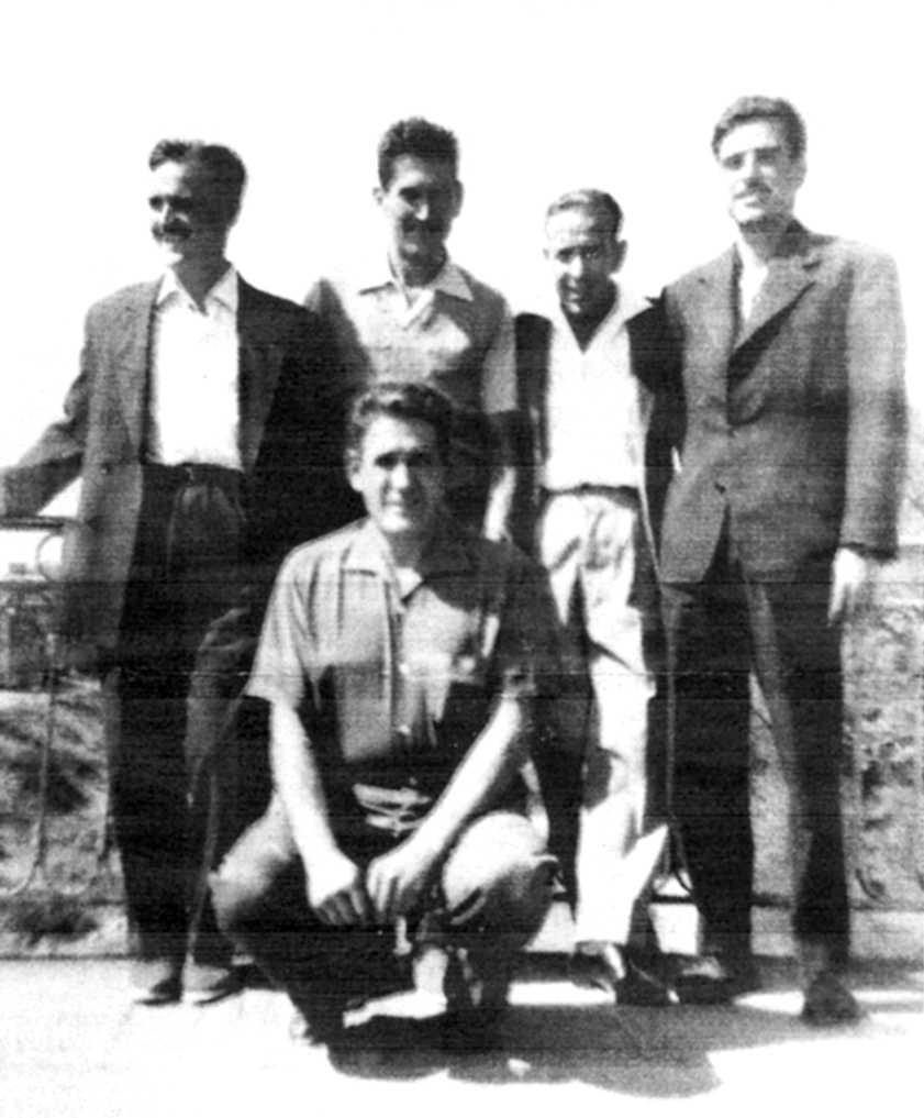 D'esquerra a dreta: ?, Vicent Llansola, Antonio Cañete, Antoni Miracle, (a la gatzoneta) Aurelio Miguel Zurilla (Vierzon, 1959)