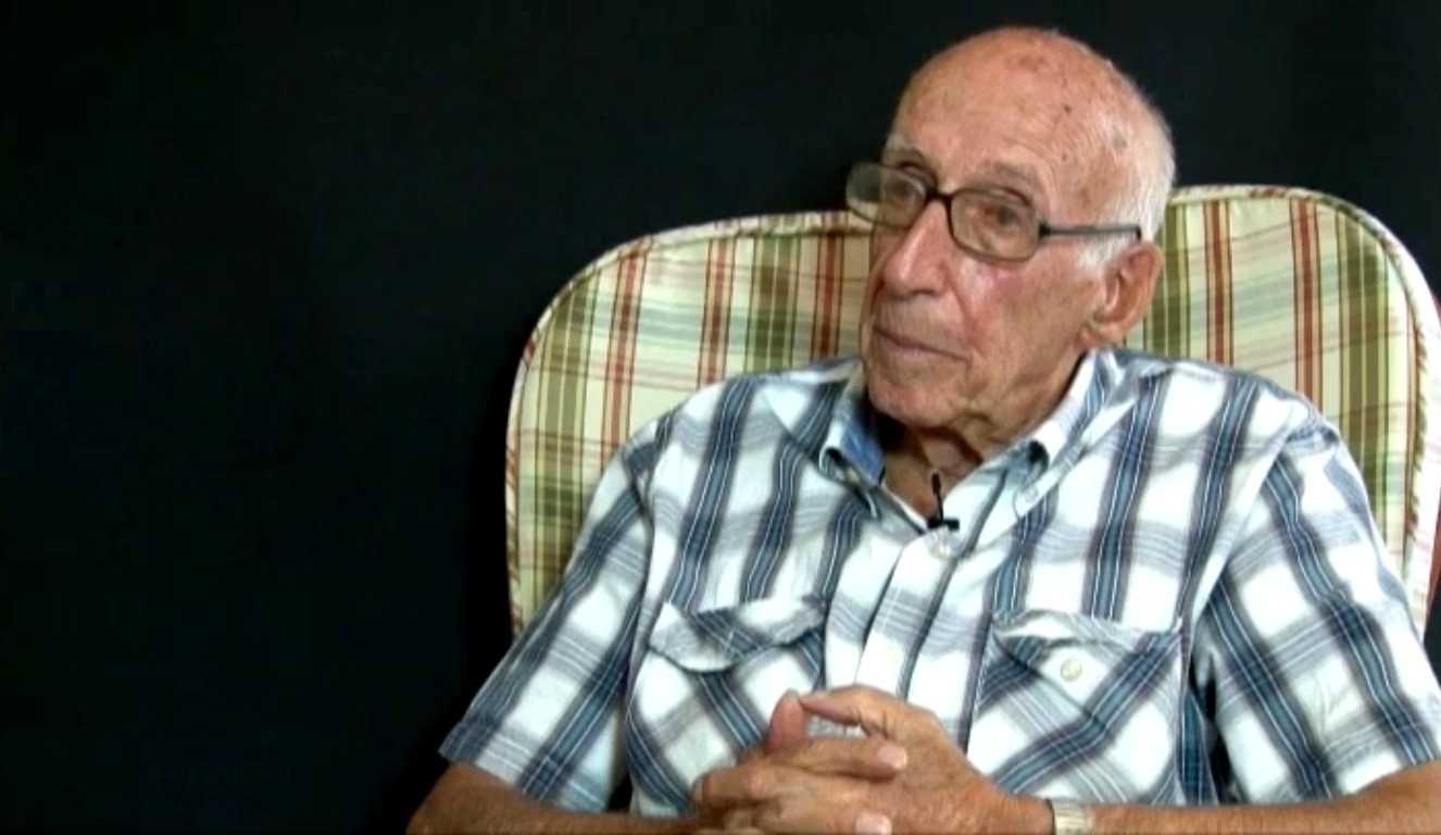 """Enric Casañas durant l'entrevista per al """"Memorial Democràtic"""" (2010)"""