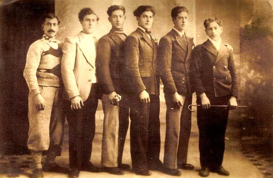 Els germans Cayuela Cayuela. D'esquerra a dreta: Salvador, Pedro, José, Ramón, Juan i Miguel