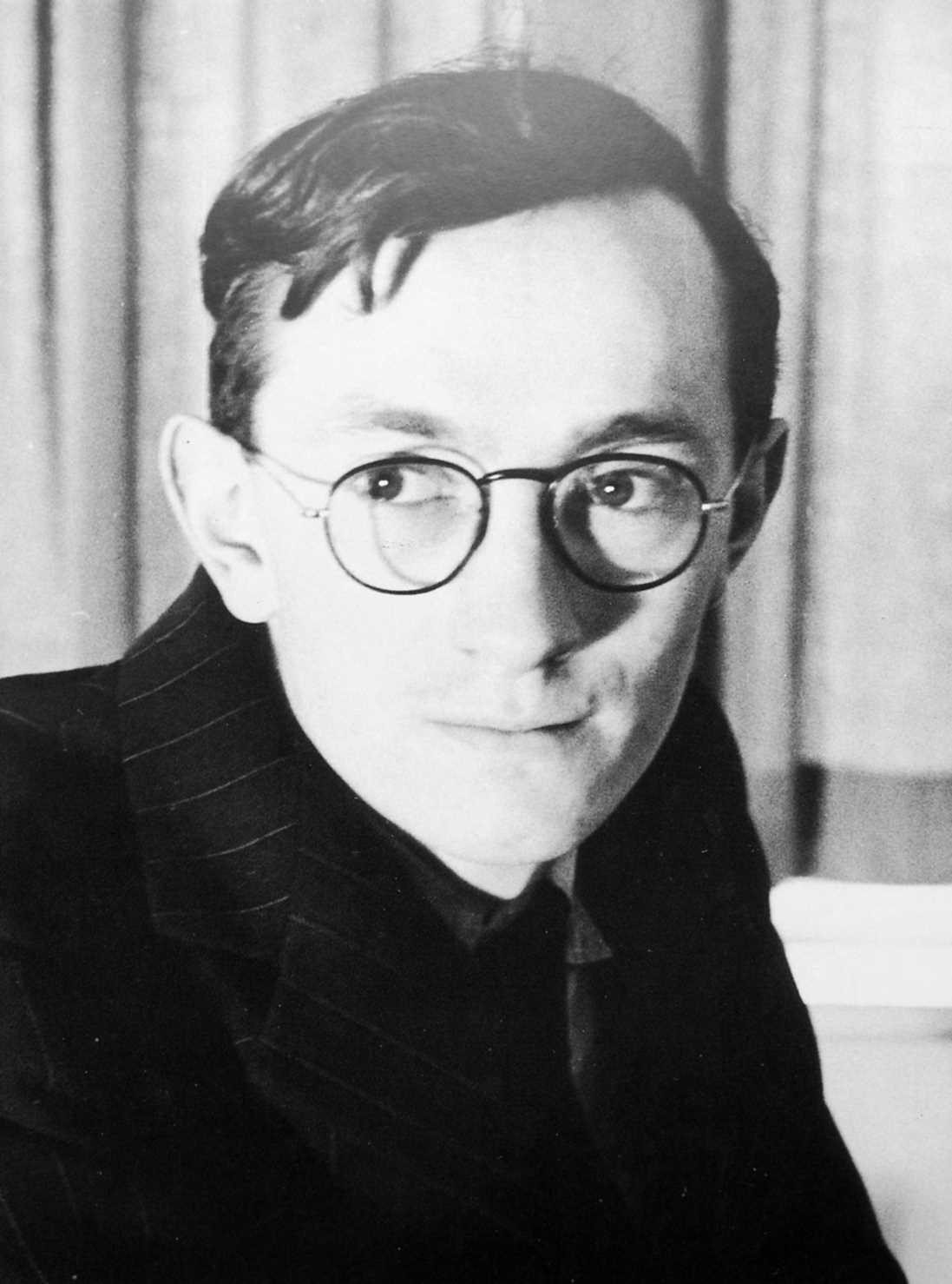 Alex Comfort fotografiat per Vernon Richards en 1946
