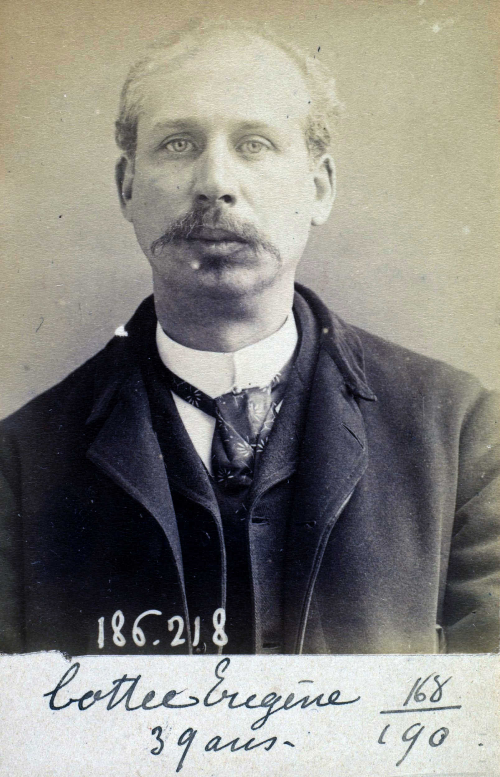 Foto policíaca d'Eugène Cottée (6 d'abril de 1892)