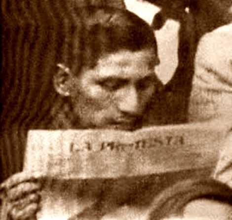 "Delfín Lévano llegint ""La Protesta"""