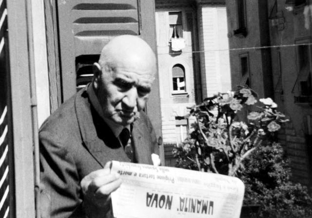 "Rodolfo Felicioli llegint ""Umanità Nova"""