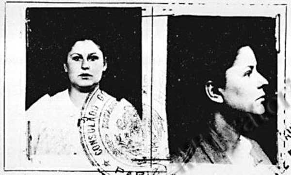 Foto de Violeta Férnandez Saavedra en la seva documentació del Servei de Migració mexicà (maig de 1940)