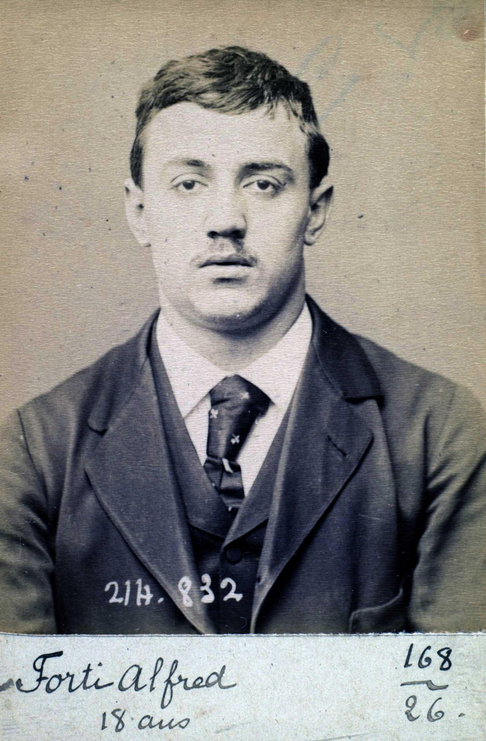 Foto policíaca d'Alfredo Forti (27 de febrer de 1894)