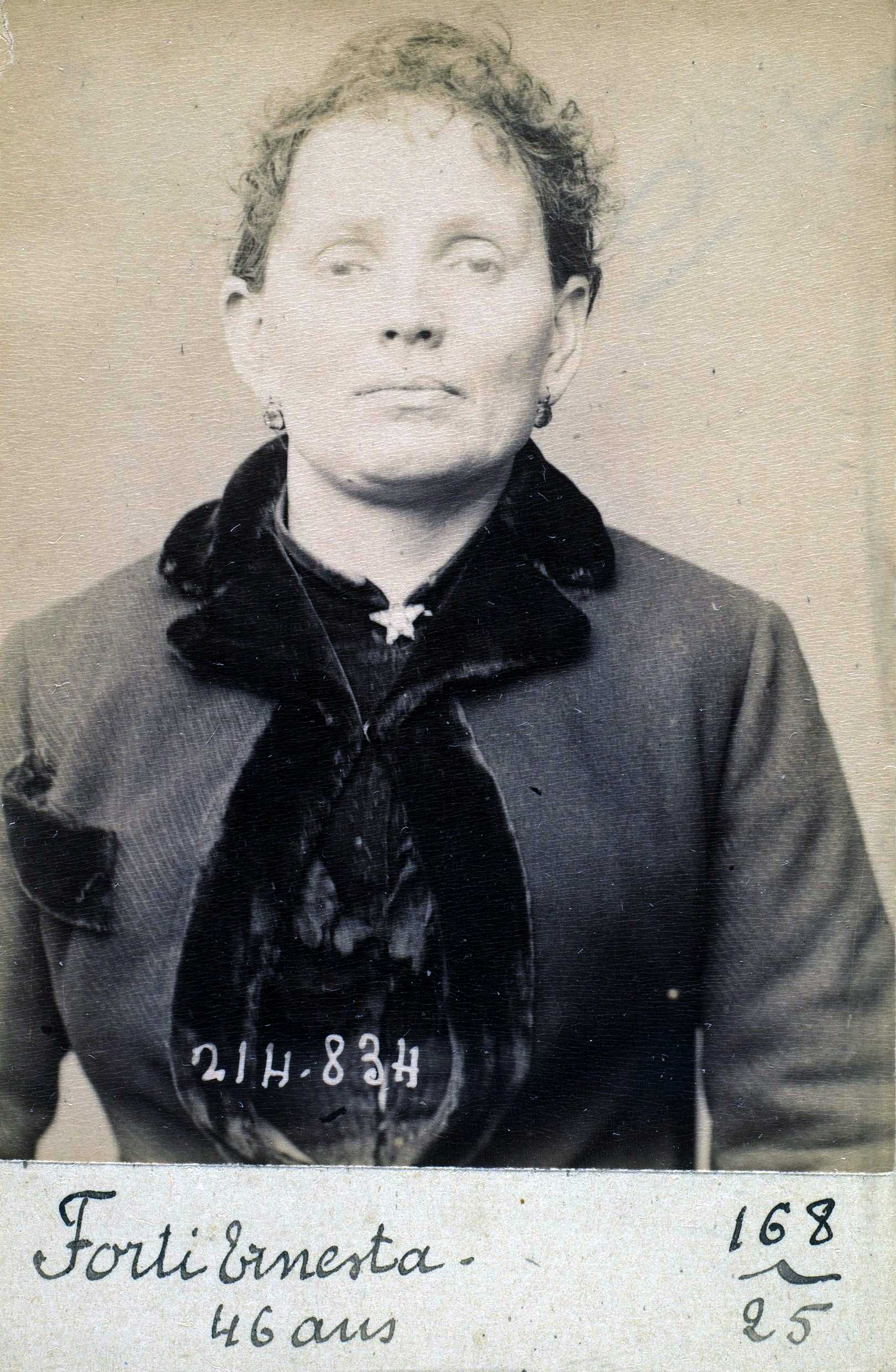 Foto policíaca d'Ernesta Forti (27 de febrer de 1894)