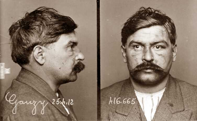 Foto policíaca d'Antoine Gauzy (25 d'abril de 1912)