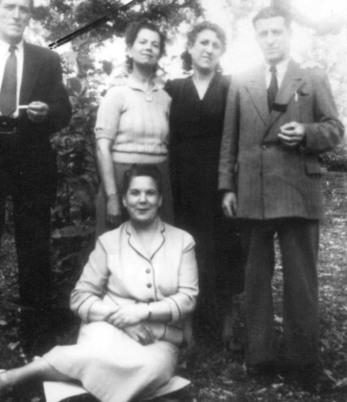 Josep Cilabert Cosialls (primer per la dreta) amb familiars i amics