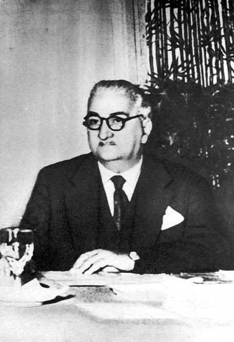Lorenzo Giusti al seu despatx d'assessor de la Junta Municipal de Bolonya