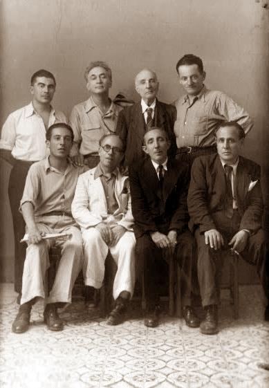 D'esquerra a dreta, drets: Alfonso Failla, Armando Borghi, Paolo Schicchi i Pio Turroni; asseguts: Giovanni Spatoliatore, Filippo Guzzardi, D'Andrea i Filippo Gramignano (Palerm, 1947)
