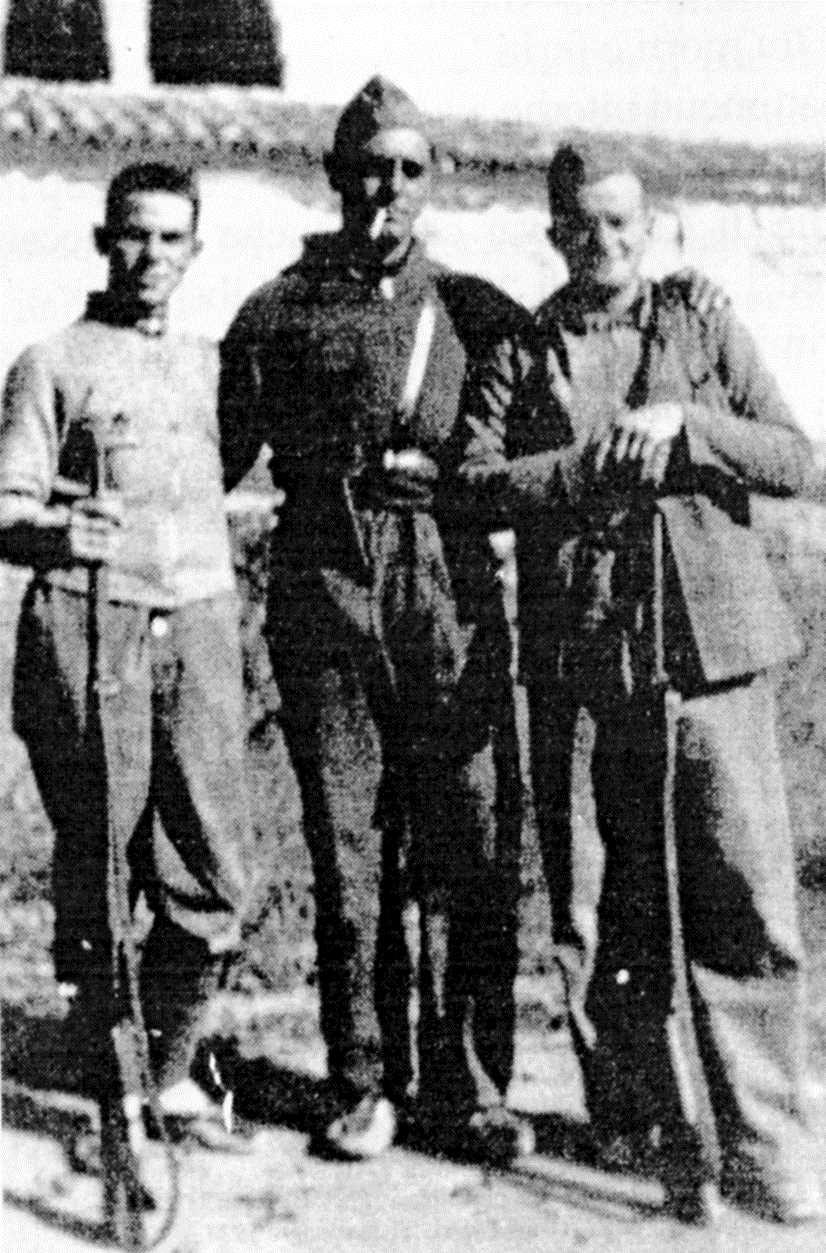 D'esquerra a dreta: Equo Gilioli, Bruno Gualandi i Luigi Evangelisti al front d'Osca (1936)