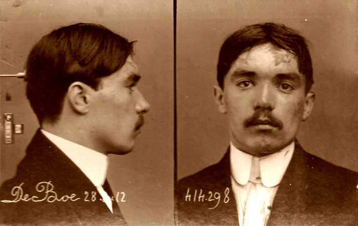 Foto policíaca de Jean De Boe (1912)