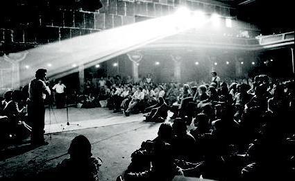 Sessió de debat al Saló Diana