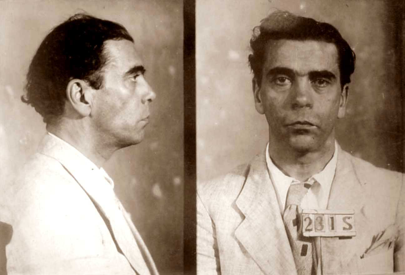 Foto policíaca de José Oiticica