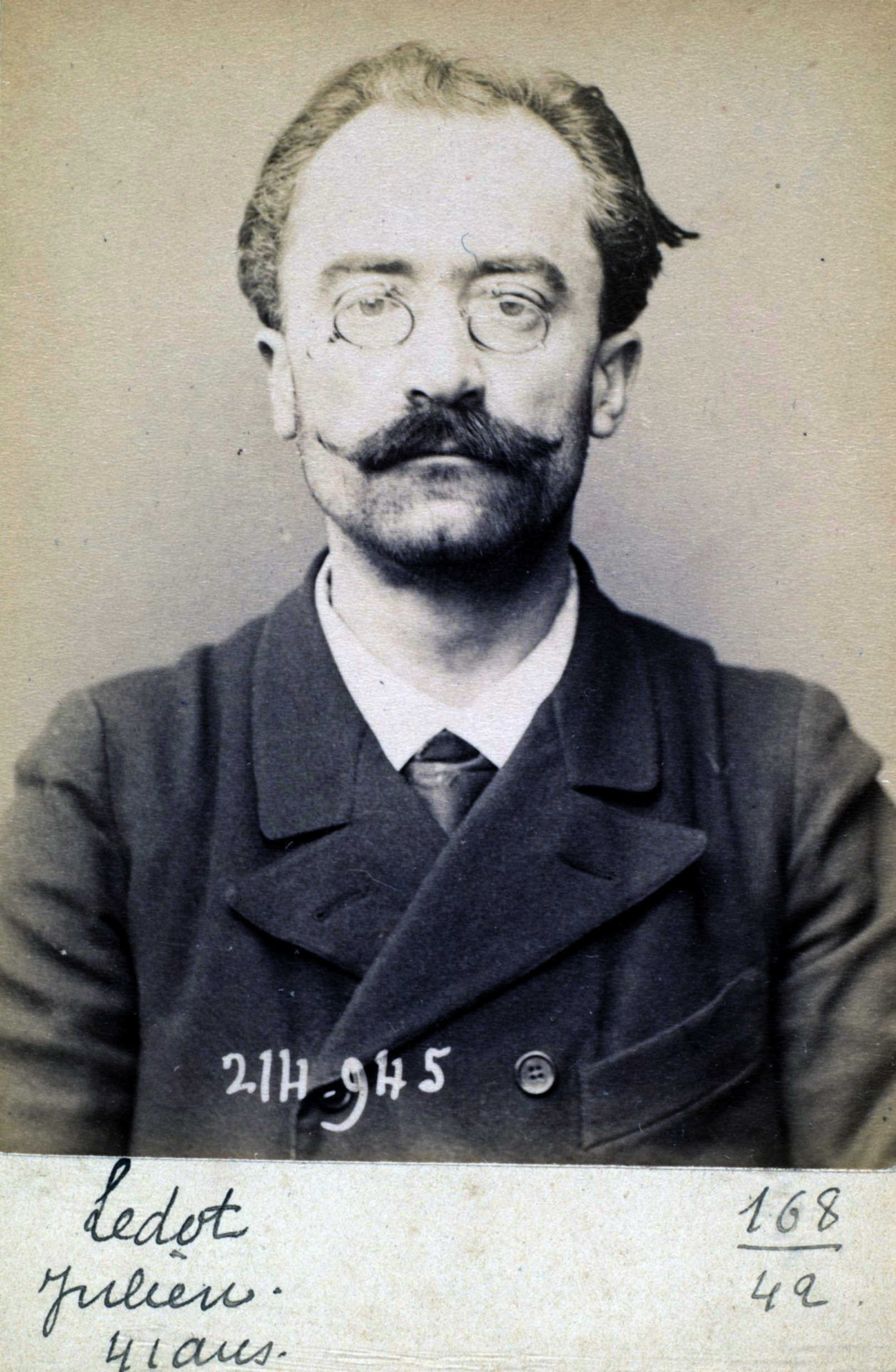 Foto policíaca de Julien Ledot (1 de març de 1894)