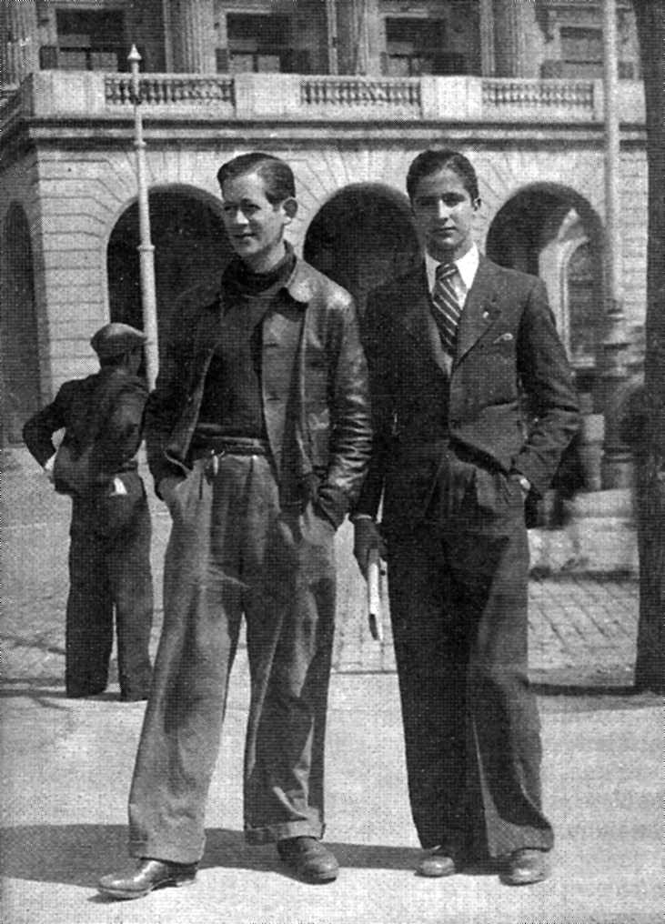 Léo Volin (a l'esquerra) amb el seu company Julio García (Barcelona, març de 1938)