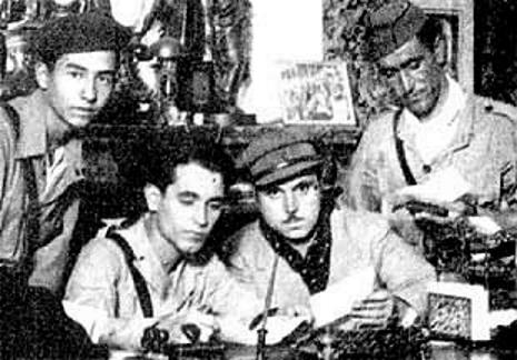 Bartolomé Lorda Urbano (tercer per l'esquerra) amb membres del Comitè de Defensa de Málaga (1937)