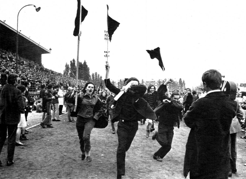 Banderas negras eufóricas a Charléty (27-05-68)