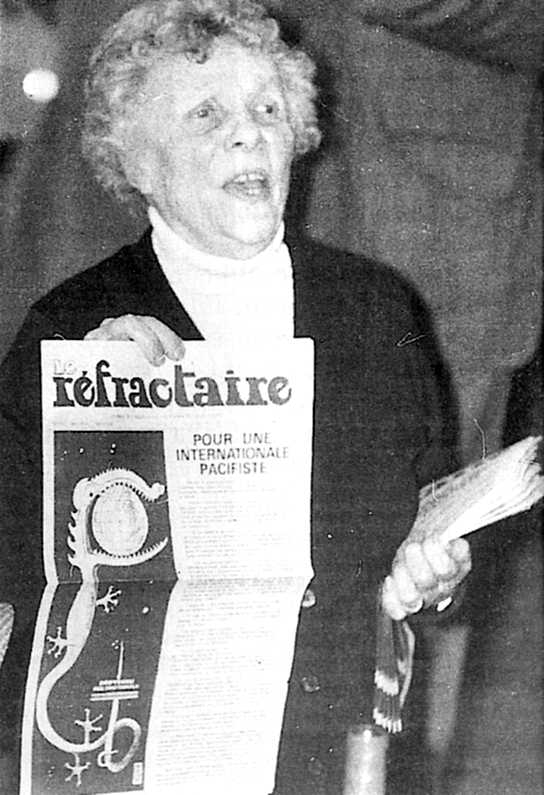 "May Picqueray venent ""Le Réfractaire"" (1975)"