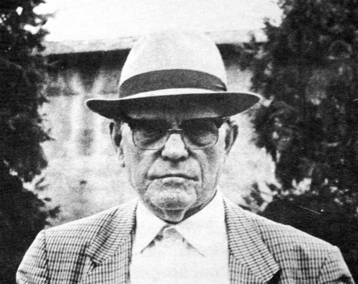 Ugo Mazzucchelli en una asseguda (Carrara, 24 de juliol de 1986)