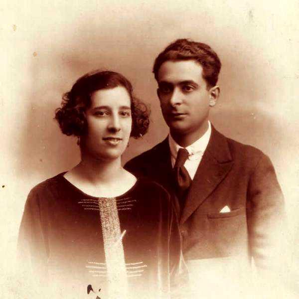 Urania Mella amb son company Humberto Solleiro Rivera (1924)