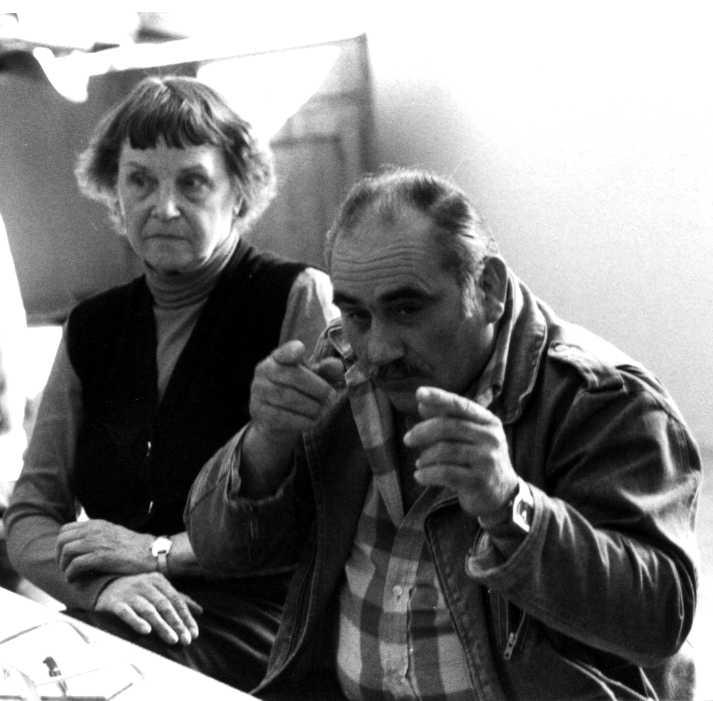 Jean Cluzel i Marie-Christine Mikhaïlo en una reunió de de la Federació Internacional dels Centres d'Estudis i de Documentació Llibertaris (FICEDL) al Local CEMEA de l'Escola de Saint-Jean (Ginebra, 1985) [CIRA-Lausana]