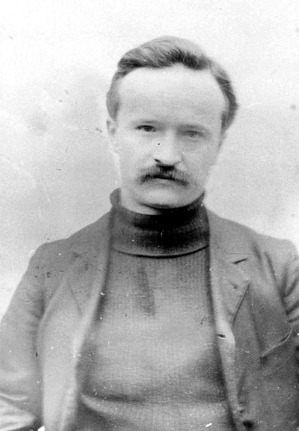 Foto policíaca de Monatte després de la seva detenció per «complot» (1920). Fotografia de Jean-Loup Charmet