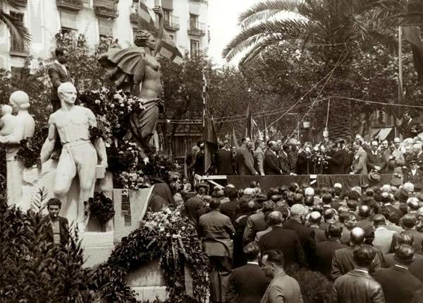 Inauguració del monument a Layret (19 d'abril de 1936). Foto de Pérez de Rozas
