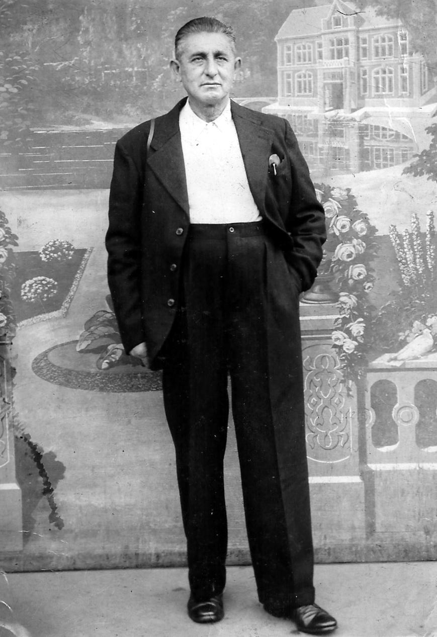 Auguste Nouvellon al seu estudi fotogràfic