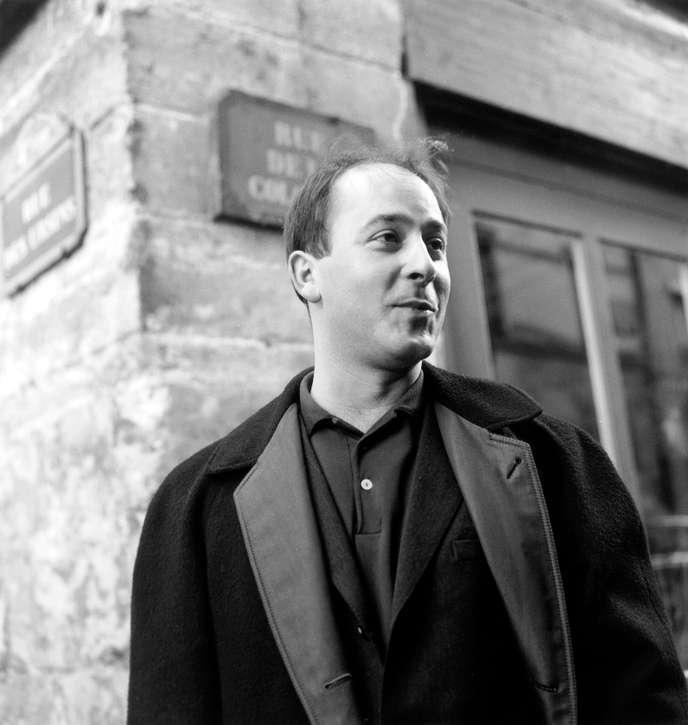 Marc Ogeret després de rebre el Premi de l'Acadèmia de la Cançó (París, 29 de març de 1963)