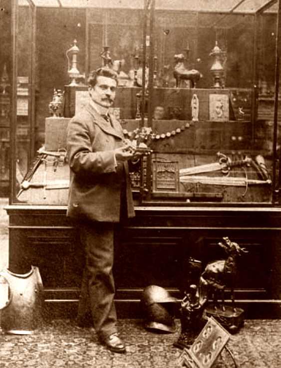 Luigi Parmeggiani a la seva galeria