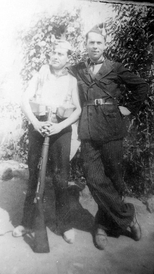 Joseph Péron (dreta) amb Garaté (Toto) durant la guerra d'Espanya (1936)
