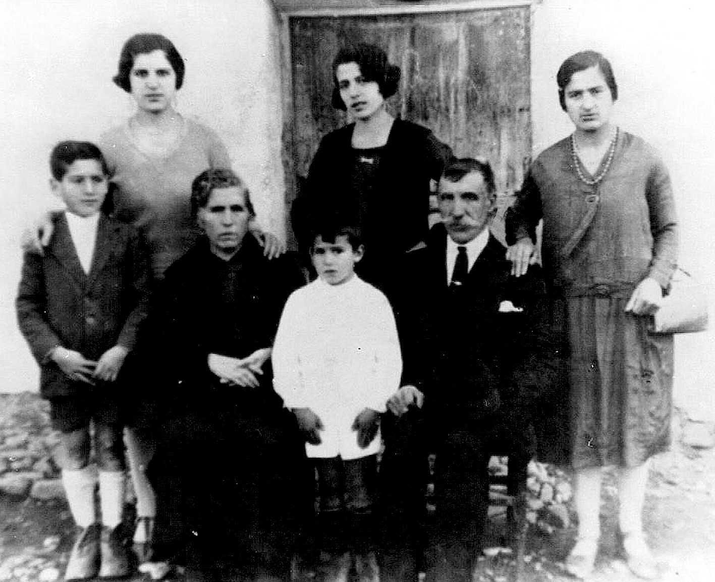 Francisco Portales Sirgado amb sa família (1928)