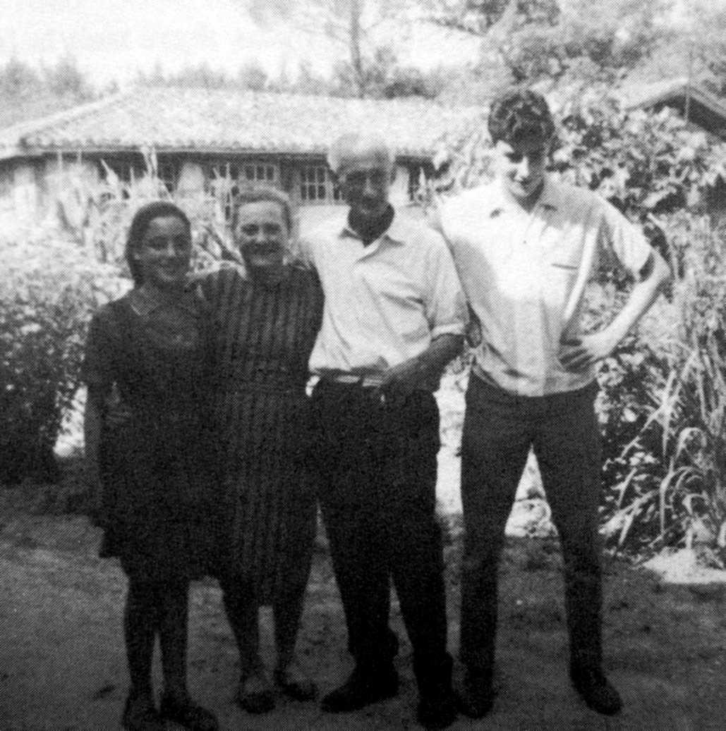 D'esquerra a dreta: Marisol, Argentina, Mariano i Carlos Puente (Vath Lada, 1967)