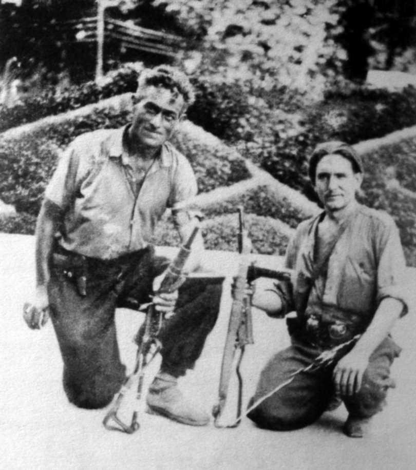 Miguel Quintana (a la dreta) amb Ramon Gaya (Boca Torta). Alliberament de Montpeller (agost de 1944)