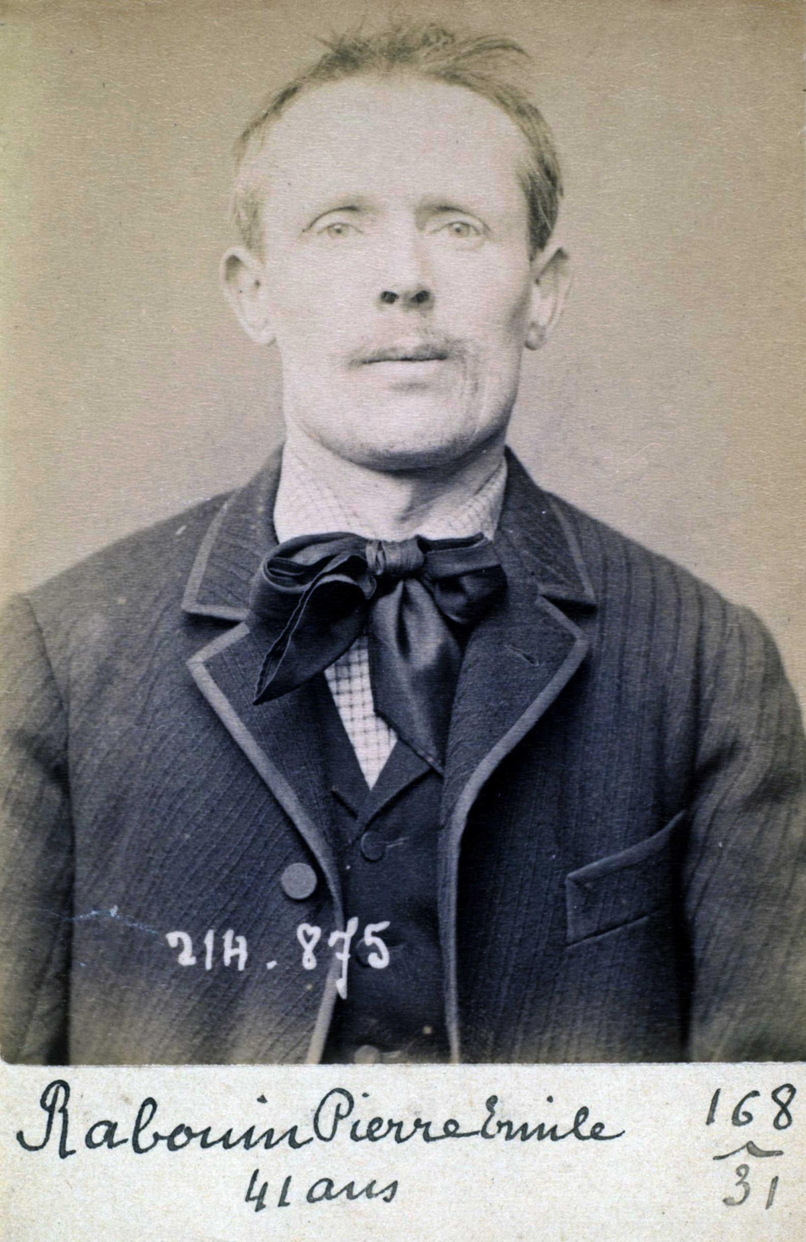 Fotografia policíaca de Pierre Émile Rabouin (28 de febrer de 1894)