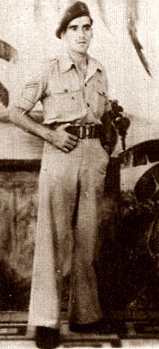 Agustín Roa Ventura amb l'uniforme tropical de l'Exèrcit britànic durant la seva estada a Alger (1943)