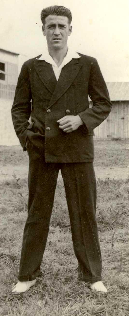 Félix Salcedo Arellano en un campo de concentración (ca. 1939)