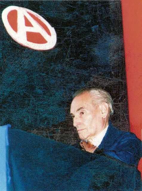 """Liberto Sarrau en el debat """"Ensenyar o aprendre"""" de l'Exposició Internacional sobre Anarquisme (Barcelona, 09-10-93)"""